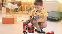 Машинки на радіокеруванні: обираємо іграшкову спецтехніку