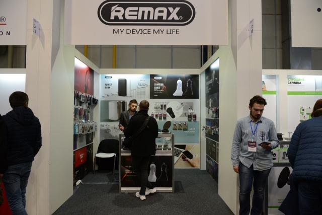 REMAX на CEE 2019 дивує оригінальними дизайнерськими павербанками і бездротовими зарядками