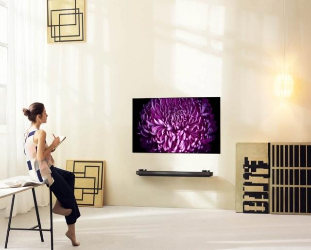 LG анонсує старт продажів в Україні OLED-телевізора W7 з корпусом завтовшки 2,57 мм