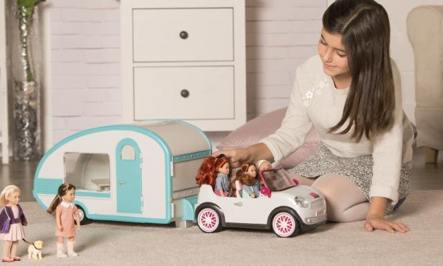 Лялька Lori, яка завжди поруч