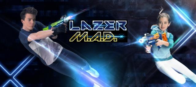 Прийми виклик на яскравий лазерний поєдинок разом із бластерамі Laser M. A. D