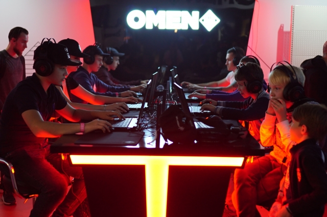 HP & OMEN by HP на CEE & CEE GAMES 2019
