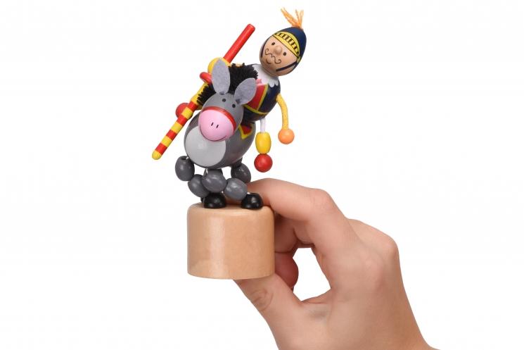 goki Игрушка нажми и тряси - Рыцарь
